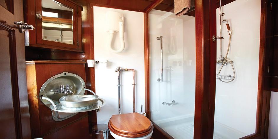 Salle de bain du Train Shongololo Express