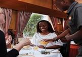 Petit déjeuner en Namibie dans le Train Shongololo